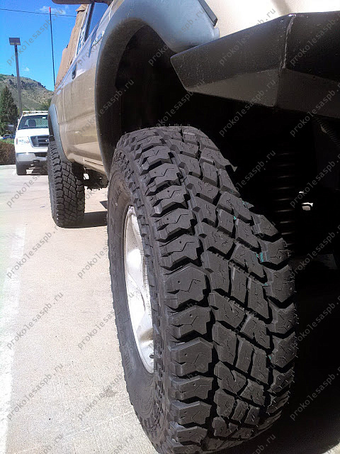 Cooper Discoverer ST Maxx 265/70 R16 121/118R